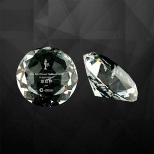 VPGSV013 – Crystal Diamond Paper Weight